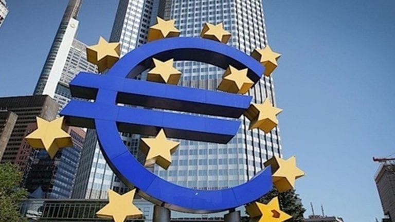 البنك الأوروبي للتنمية يشيد بمؤشرات مصر الاقتصادية