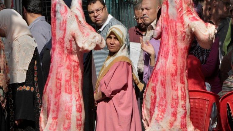 """نقيب القصابين: أسعار اللحوم انخفضت بسبب إهمال """"الزراعة"""""""