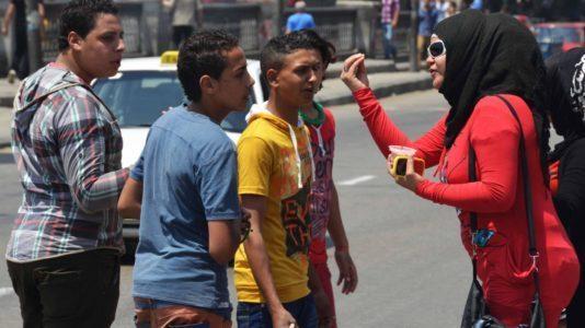 شاب يتحرش بطالبة في الدرب الأحمر