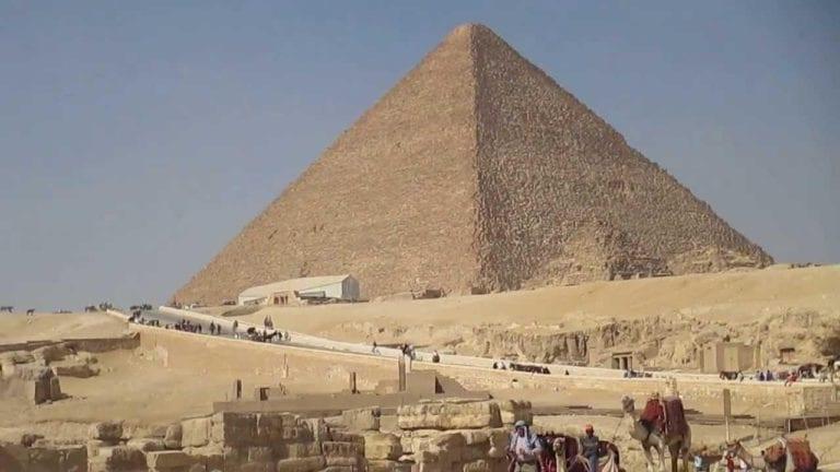 افتتاح مقبرتي إيدو وقار في منطقة آثار الهرم