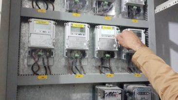 وزير الكهرباء يتحدث عن العدادات مسبقة الدفع