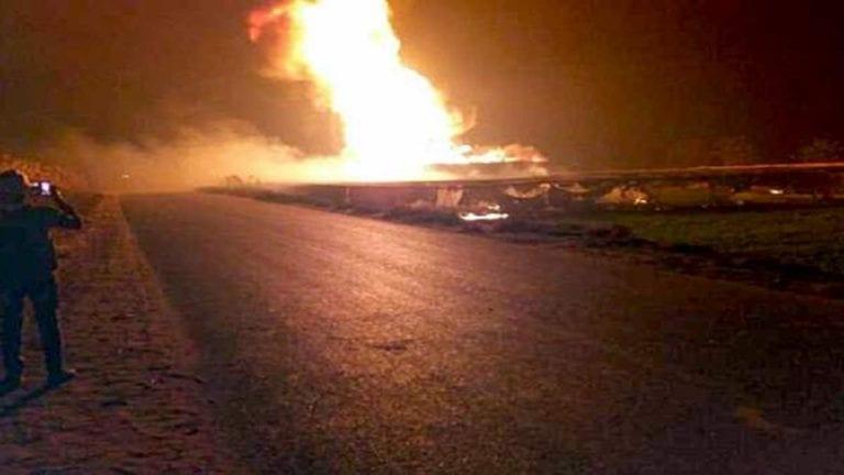 وفيات وإصابات في انفجار خط بترول بإيتاي البارود (فيديو)