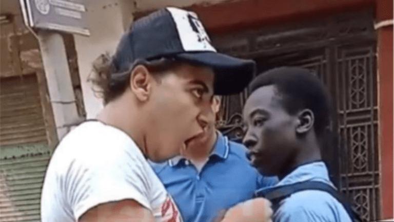 القبض على ثلاثة أشخاص بعد التنمر على طالب إفريقي في حدائق القبة