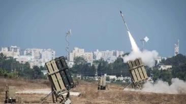 لبحث الأوضاع في غزة.. منسق الأمم المتحدة للسلام يصل القاهرة