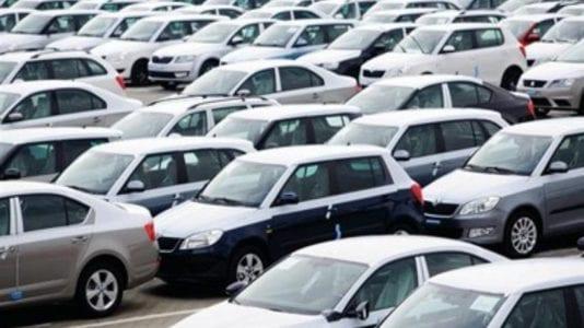 الغرف التجارية تتوقع تراجع أسعار السيارات بعد انخفاض الدولار (فيديو)