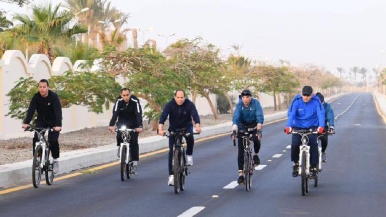 السيسي يتجول في شرم الشيخ
