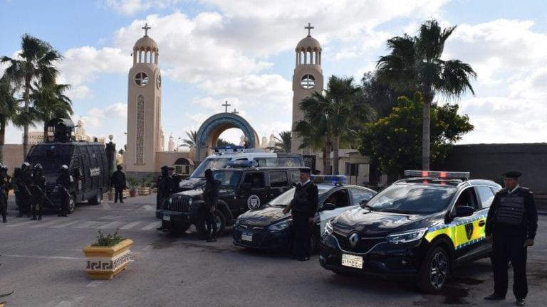 الحصاد: تقنين أوضاع 90 كنيسة ومبنى تابعا.. وانتحار طالبة ثانوي بالشرقية