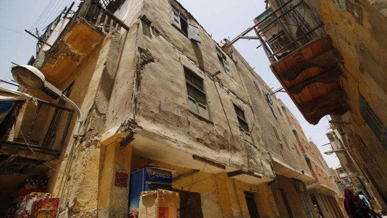 رئيس الوزراء يوجه بإزالة كل المباني العشوائية خلال الأسبوع المقبل