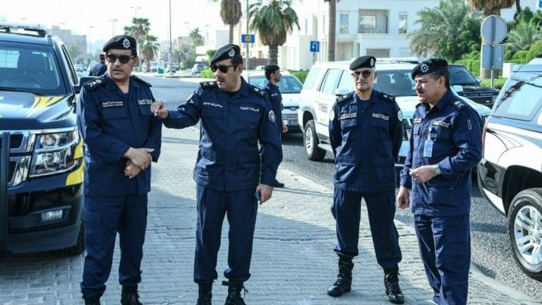 ترحيل طبيب مصري من الكويت