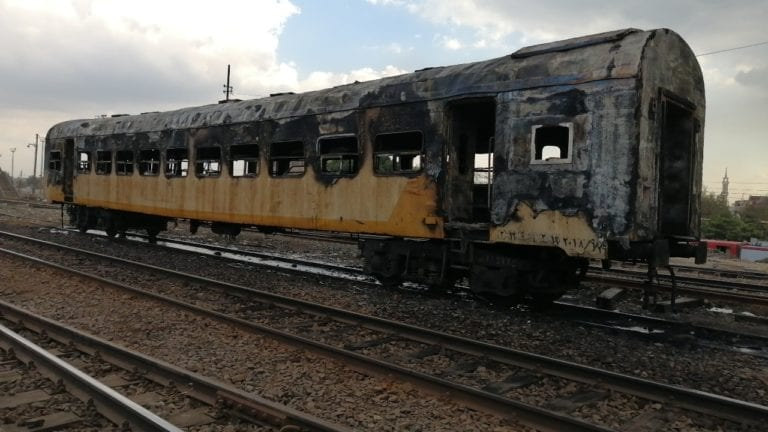 السكة الحديد تعلق على حريق قطار كفر الزيات: خالٍ من الركاب