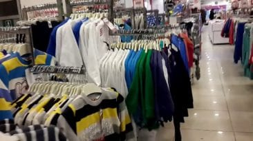 غرفة القاهرة التجارية: الركود يسيطر على الملابس الشتوية منذ بدء الموسم