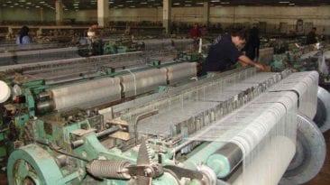 طارق عامر: إسقاط الديون عن 5184 مصنعا متعثرا