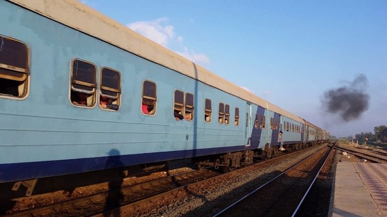 مصرع 6 أشخاص: انتحار وغرق وتحت عجلات قطار