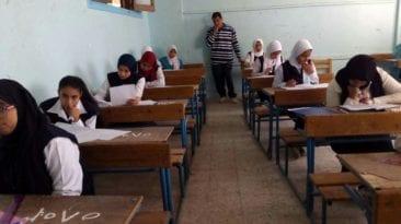 طلاب مدرسة إعدادية بالمنوفية يمتحنون دون أوراق إجابة: غير متوفرة