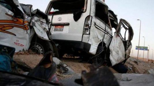 مصرع وإصابة 60 شخصا في حوادث طرق متفرقة: تصادم وانقلاب