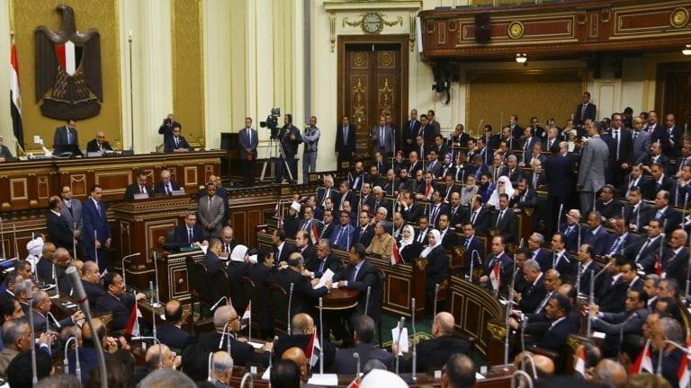 مد حالة الطوارئ ثلاثة أشهر في مصر