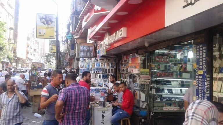 """""""حماية المستهلك"""" يلزم البائعين بمنح فاتورة تشمل الضريبة"""