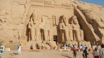 السياحة: تخفيض تذاكر دخول الأجانب المناطق الأثرية بالصعيد