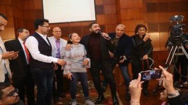 تامر حسني يلتقي هايدي محمد ويغني معها
