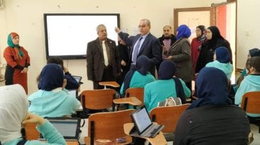 """""""التعليم"""" تختبر منصة الامتحان الإلكتروني: استدعاء طلاب ثانية ثانوي"""