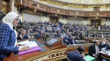 برلماني يطالب بسحب الثقة من وزيرة الصحة: أول استجواب