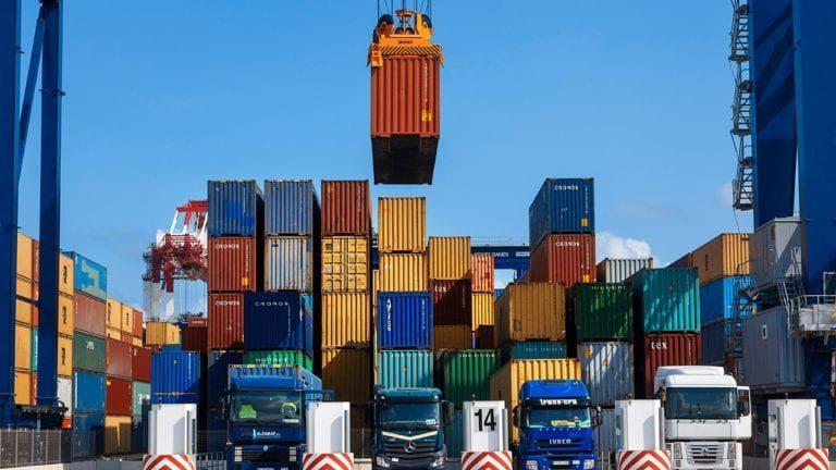 المركزي: تراجع واردات مصر 4.1% خلال الربع الأول من العام المالي الجاري