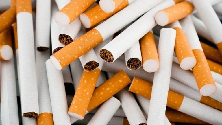 زيادة ضريبة السجائر والمعسل