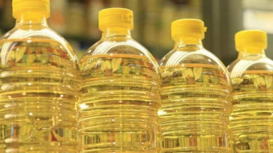 السلع التموينية: شراء 41.5 ألف طن زيت صويا لسد فجوة الإنتاج