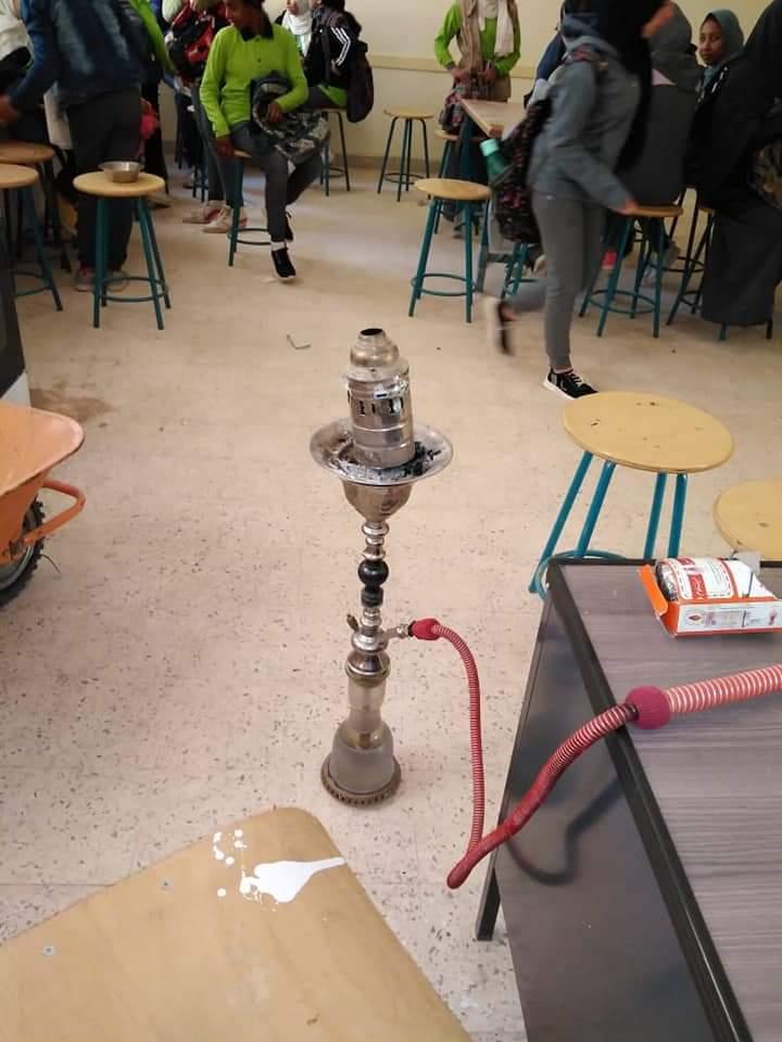 شيشة في مدرسة بأكتوبر