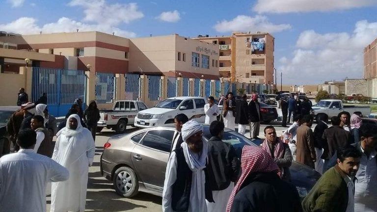 عمرو أديب يطالب الجيش بحماية الحجر الصحي
