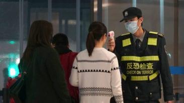 الطيران: منع سفر مصريين من الصين بعد الاشتباه في إصابتهما بكورونا