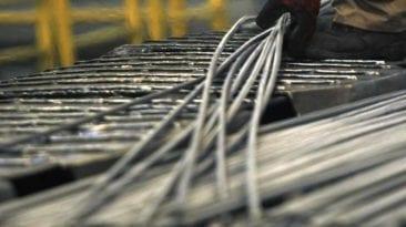 ارتفاع خسائر شركة الحديد والصلب بنسبة 37% في 6 أشهر