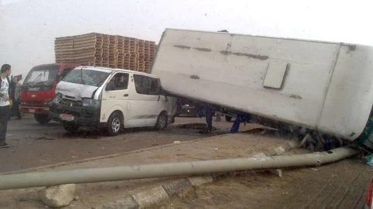 مصرع 13 مواطنا وإصابة 7 آخرين في حادثة تصادم بصحراوي أسوان