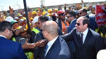 السيسي يفتتح مصنع 300 الحربي في أبو زعبل (صور)