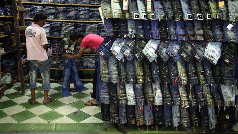الحصاد: توقعات بارتفاع أسعار الملابس الصيفية.. وفصل 22 طالبا في المنوفية