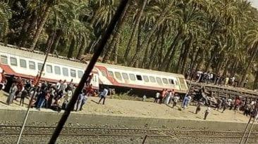 """انقلاب قطار ركاب """"الإسكندرية - مطروح"""": إصابة 36 شخصا (فيديو)"""