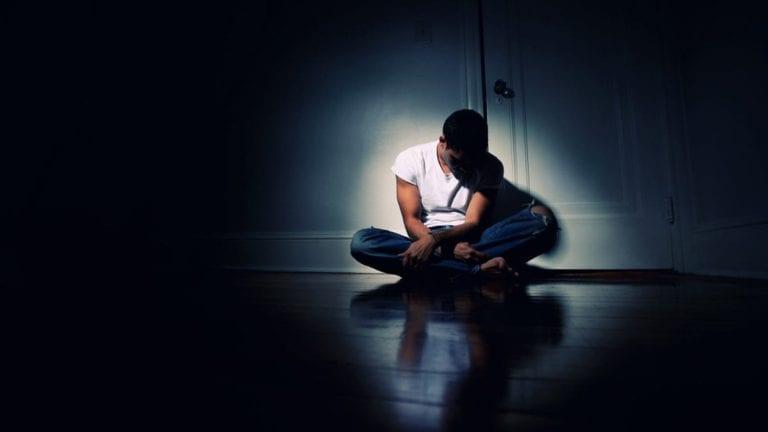 انتحار شاب في محافظة الغربية: أزمة نفسية