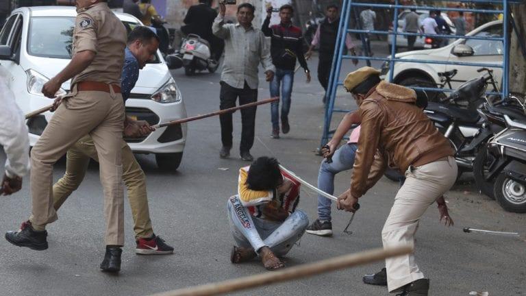 #ادعم_مسلمي_الهند_والعالم.. تنديد باعتداءات ومذابح الهندوس