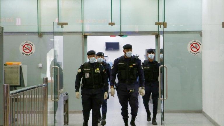 حظر دخول المصريين إلى الكويت وقطر بسبب فيروس كورونا