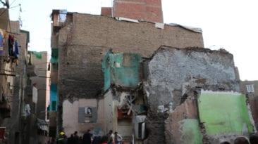 مصرع وإصابة شخصين في انهيار عقار ببولاق أبو العلا (صور)