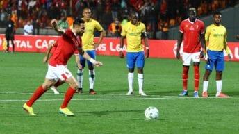 الاتحاد الإفريقي لكرة القدم يشيد بجماهير الأهلي والزمالك (فيديو)